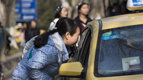 Communicating with airport taxi in China